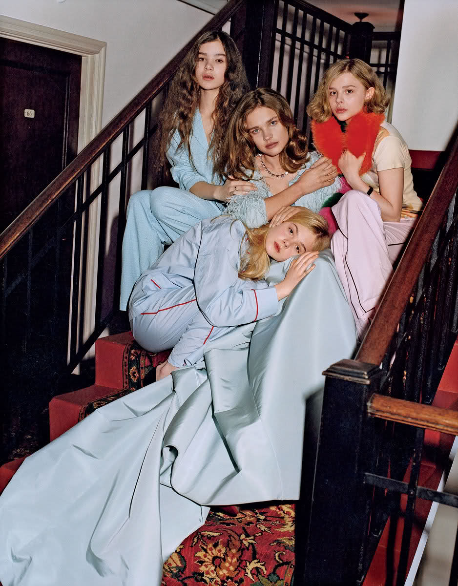 BRUCE WEBER HAILEE STEINFIELD NATALIA VODIANOVA CHLOE MORETZ AND ELLE FANNING VOGUE US MAY 2011