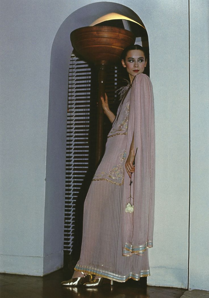 DAVID BAILEY TINA CHOW IN AN ENSAMBLE BY BILLY GIBB BRITISH VOGUE APRIL 1976