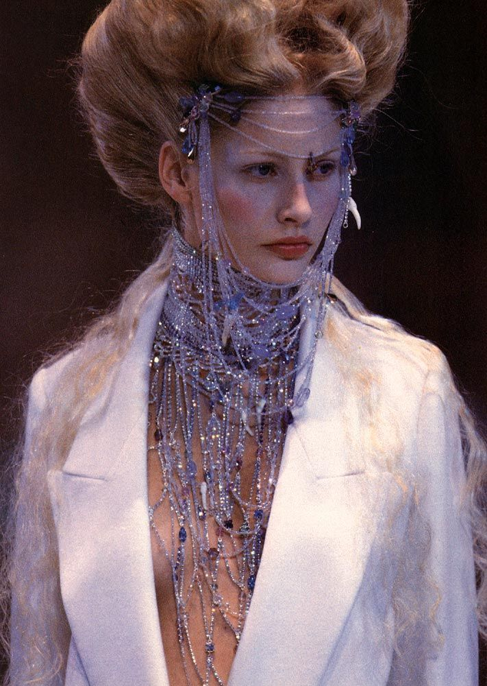GIVENCHY BY ALEXANDER MCQUEEN KIRSTY HUME HAUTE COUTURE FALL WINTER 1998