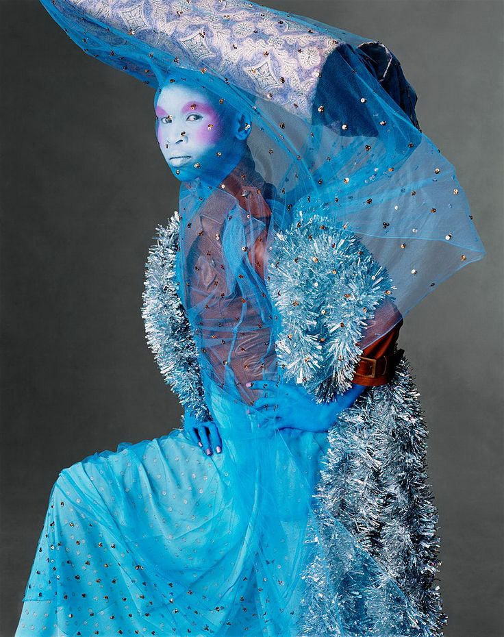 STEVEN MEISEL ALEK WEK JOHN GALLIANO VOGUE US DECEMBER 2002 1
