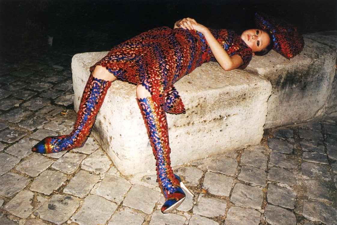 drop dead gorgeous couture autumn winter 2000 devon aoki photography juergen teller nova november 2000
