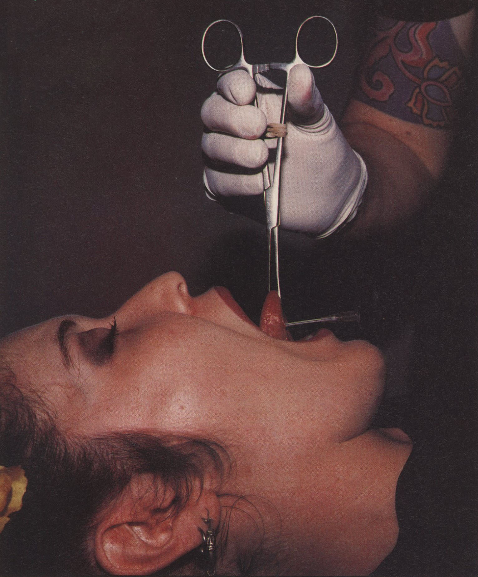 BRIAN LIPPS PIERCING EMPORIUM LONDON PHOTOGRAPHY JONATHAN WORTH i-D THE OUTRAGE ISSUE NO.171 DECEMBER 1997